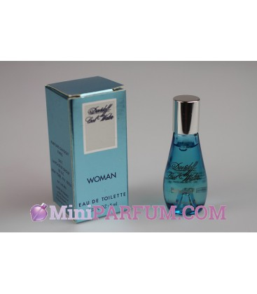 Cool water - Woman